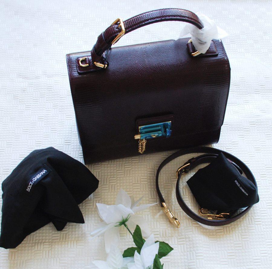 March Find/Tote handbags