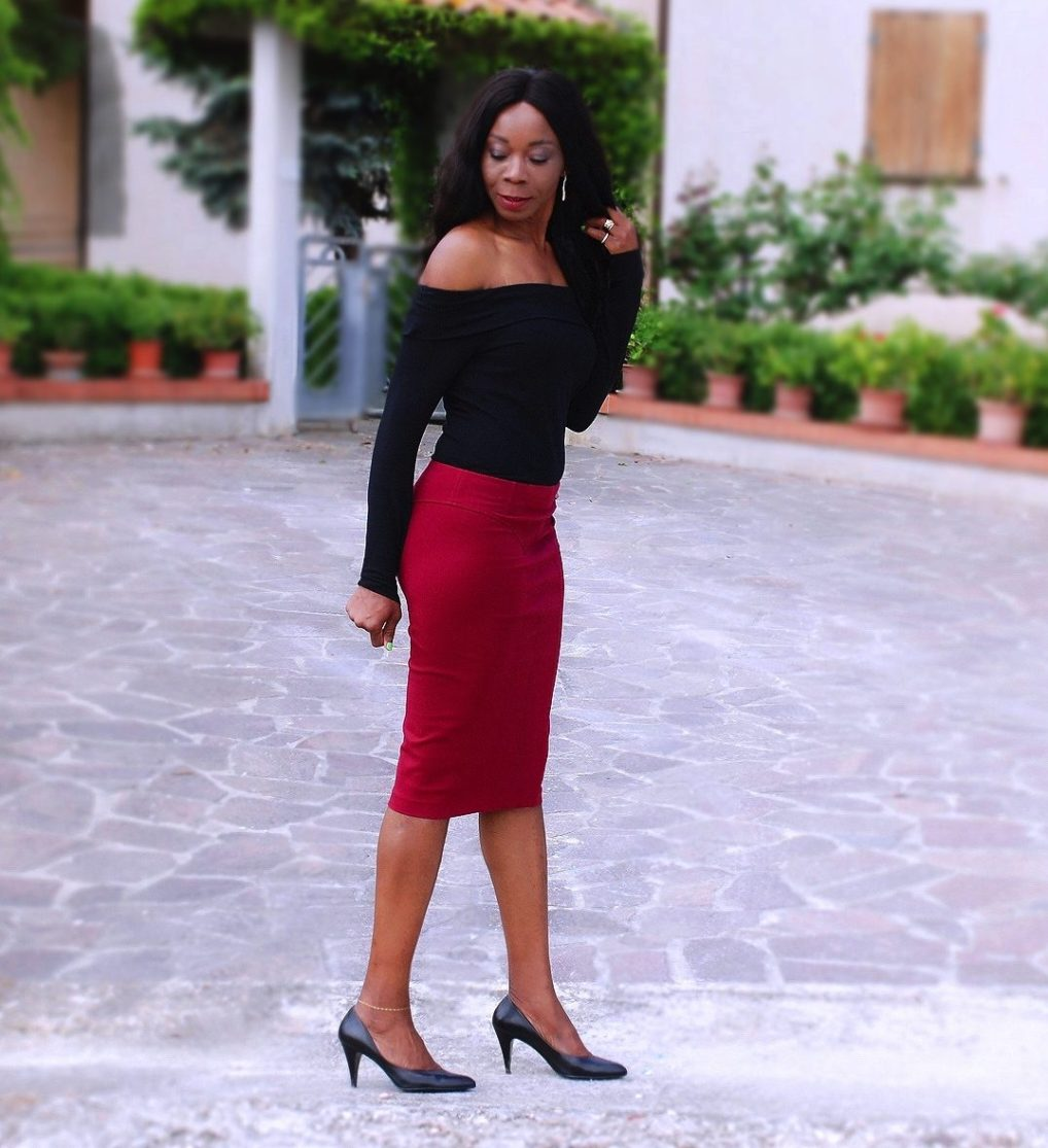 Black Chic Long Sleeve Body / Off The Shoulder Trend