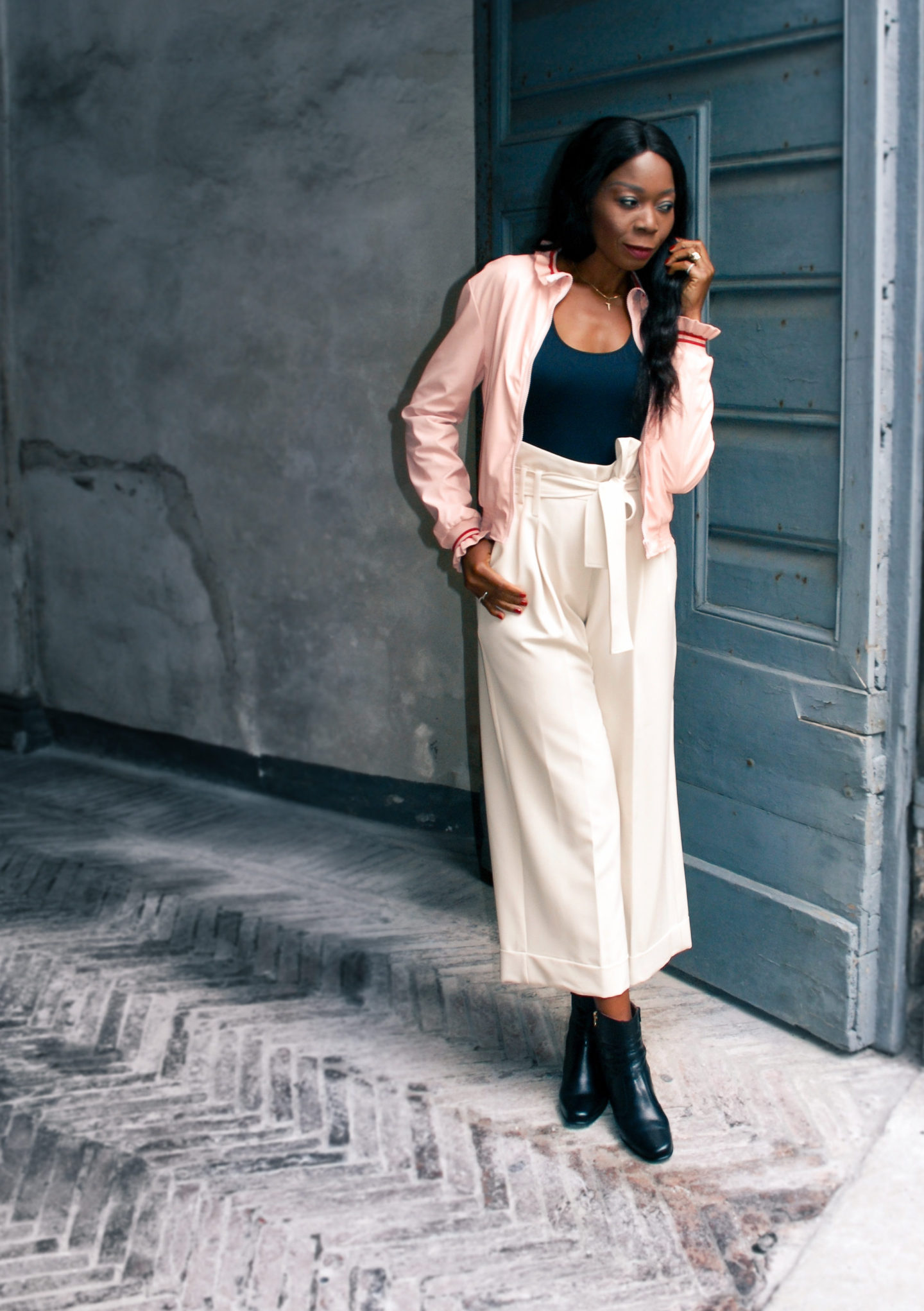 Cool Neutral Tone Outfit For Fall